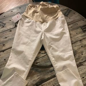 New Ingrid & Isabel white skinny jeans